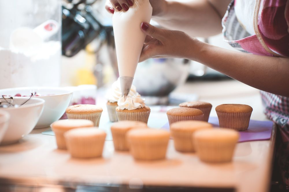 Cake_frosting_mix_baking